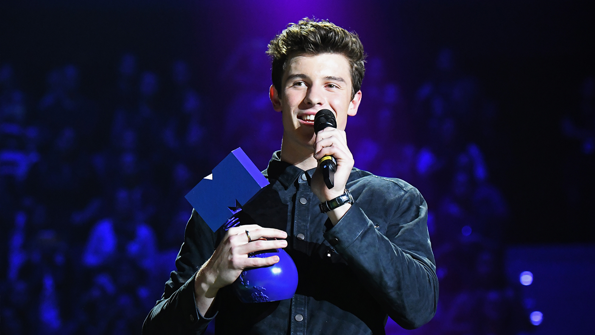 Shawn Mendes Europe Music Awards