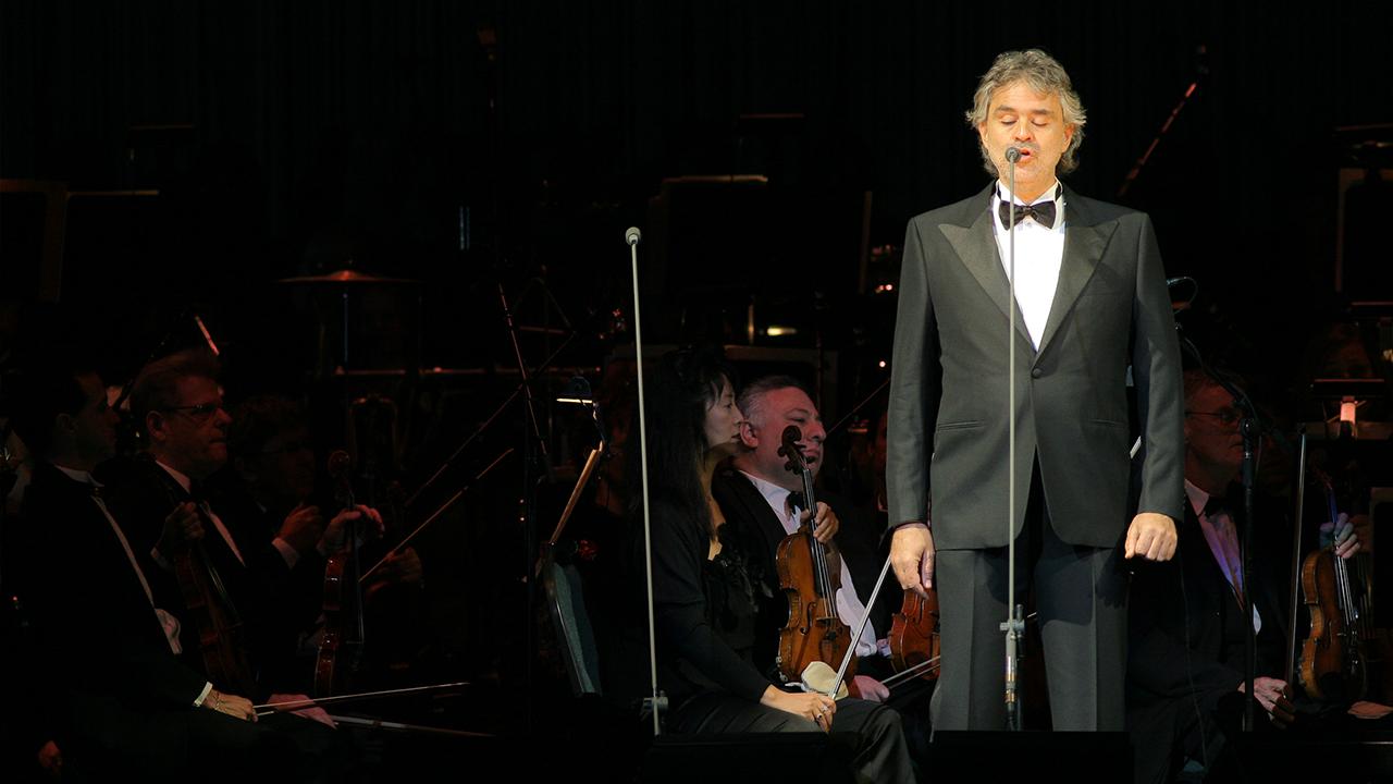Andrea Bocelli Performing